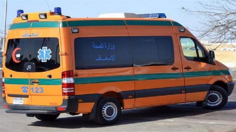 مصرع 3 أشخاص وإصابة 4 آخرين بينهم سيدة إثر حادث تصادم بمحور الضبعة الصحراوى