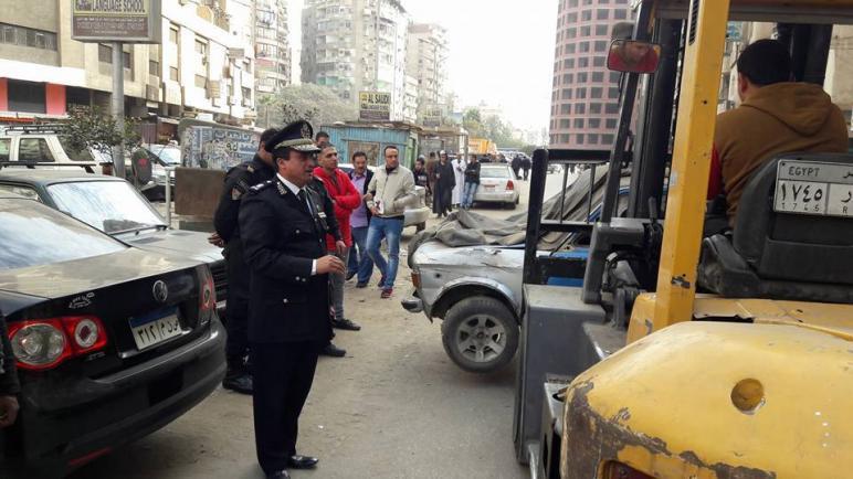 نائب مدير مرور الجيزة يقود حملة لضبط المخالفات في فيصل