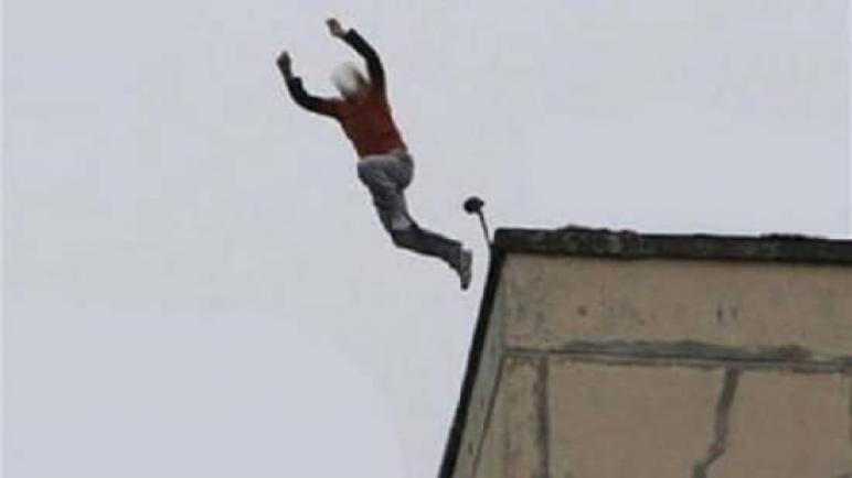 مصرع طبيب قفز من الطابق الثاني عشر بعقار في الهرم